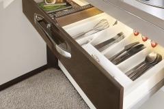 Practical cutlery insert